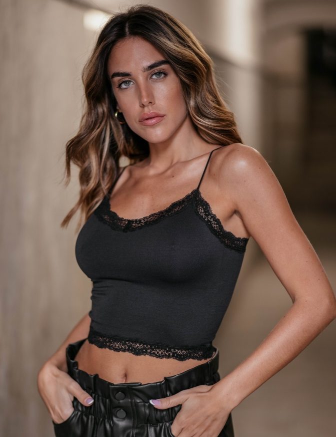 ONLY TOP  CROP PIZZO